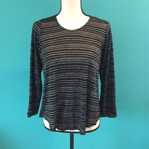 Long sleeve staples shirt in size xs